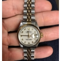 W#011 Ladies Datejust Rolex Watch no holes in case - complete set - T serial number - Rolex jubilee dial $3495.00