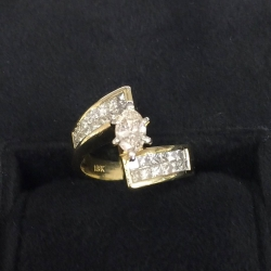 R#006 Ladies marquise engagement ring 18k y gold Approximately 1-1.5ct diamonds Trade in special $1,995.00