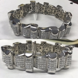 Men's 14k white gold diamond bracelet 127.90 grams approx 42.40cts. In diamonds princess cut vs2-si1 G color $13,950.00